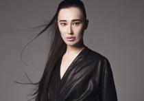 Ainur Turisbek: черным по белому