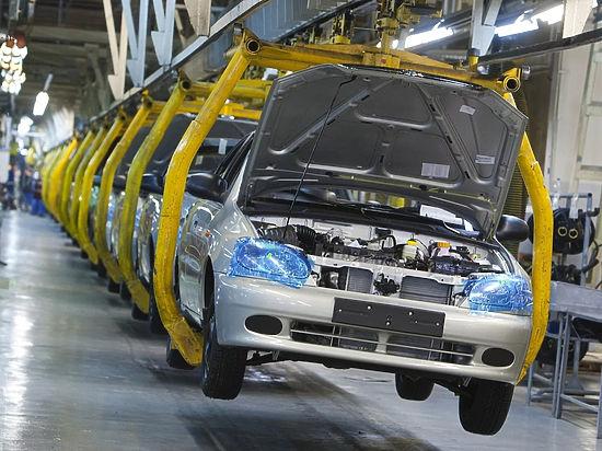 Производство легковых автомобилей увеличилось сразу на 65% за год