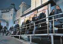 Очереди ХХI века: за чем и почему стоят москвичи