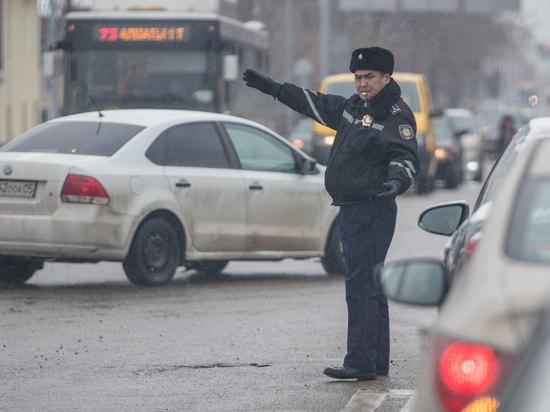 Казахстанским полицейским остается лишь махать руками