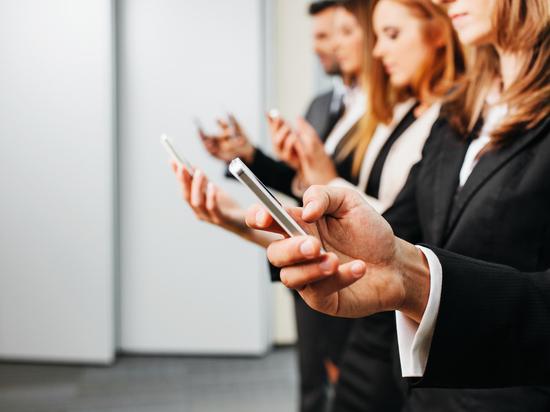 В Казахстане три процента граждан не пользуются мобильными телефонами