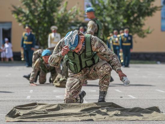Честь и романтика казахстанского мундира, основанные на традициях