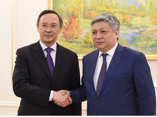 Казахстан и Кыргызстан: кто первым сделает шаг навстречу?