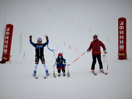 На казахстанских горнолыжных курортах детей с особенностями развития ставят на лыжи